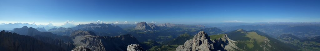 Panoramic view from Sass RIgais (3025m)